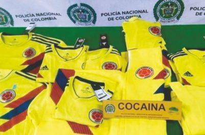 Ils devaient être acheminés aux PAYS-BAS : Des maillots de l'équipe de Colombie imprégnés de cocaïne
