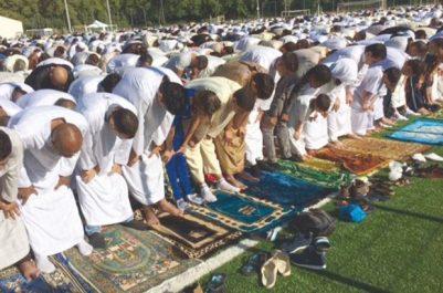 L'administration locale s'y oppose : Appels pour la prière de l'Aïd dans un stade à Tizi Ouzou