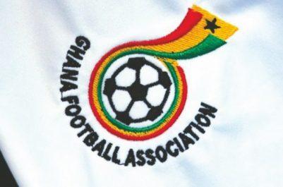 Une dépêche de l'AFP d'ACCRA le confirme : Un arbitre ivoirien corrompu fait perdre l'Algérie