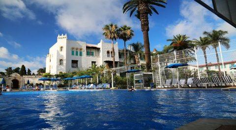 Tourisme, Deux conventions ont été signées : Remise de 30% dans les hôtels