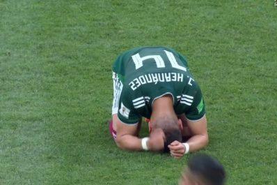 Mexique : Les larmes de Chicharito (Photos)