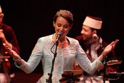 Fusionnant la musique andalouse et l'élégance algérienne: Lila Borsali ou la voix cristalline