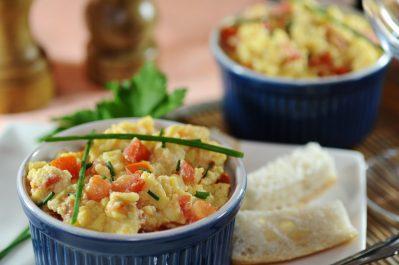 Recette: Brouillade d'œufs et croûtons