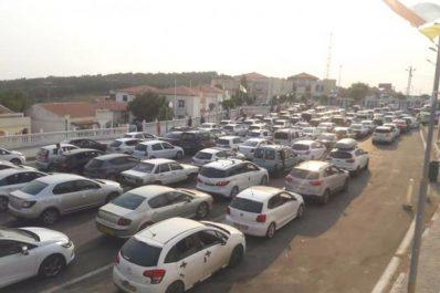 El Tarf: Les camions de transport de gravats et de remblais étouffent la ville