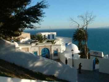 Les algériens seraient la raison de la relance du tourisme tunisien
