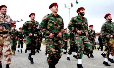 Le Premier ministre libyen appelle à l'unification de l'armée !