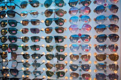 Un marché inondé de contrefaçons: Ces lunettes qui tuent la vue