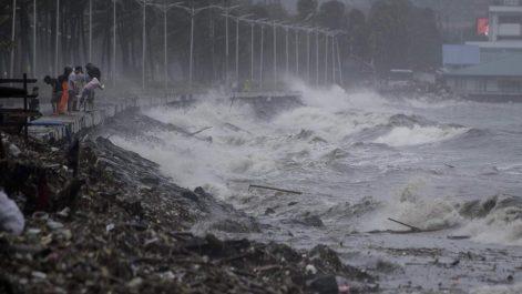 65 morts dans le super typhon Mangkhut aux Philippines