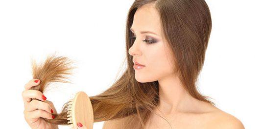 Cheveux: Ces habitudes qui donnent des pointes fourchues