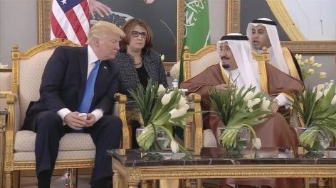 Trump interpelle, une nouvelle fois, le roi Salmane: «L'Arabie doit payer»