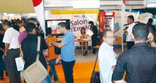Premier salon de l'emploi de Boumerdès : Grande affluence de jeunes et des diplômés universitaires