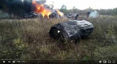 Vidéo: Un avion de chasse russe s'écrase près de Moscou !