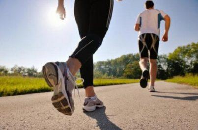 Sport après 40 ans: encourager l'activité physique, des précautions s'imposent
