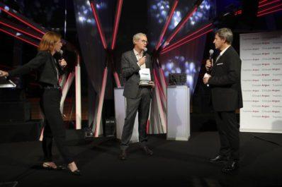 Le magazine L'argus décerne le Trophée des berlines compactes à la nouvelle Toyota Corolla