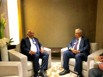Davos-klosters: Messahel s'entretient avec son homologue saoudien Ibrahim Al-Assaf