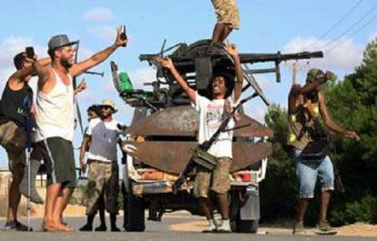 NOUVEAUX COMBATS ENTRE MILICES LIBYENNES Dix morts près de Tripoli