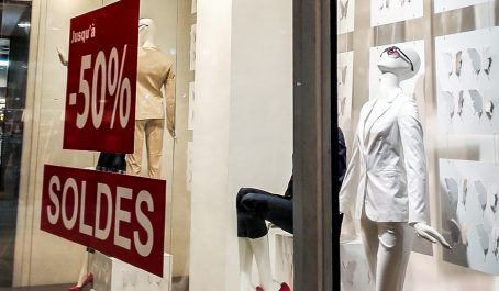 Des mesures coercitives contre les contrevenants: Une cinquantaine d'autorisations aux commerçants pour les soldes d'hiver