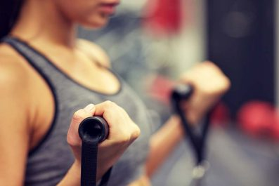 Bon à savoir: 5 habitudes quotidiennes qui causent le relâchement de la poitrine