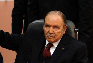 Tribune de Genève : l'avion de Bouteflika devrait quitter Genève à 15h