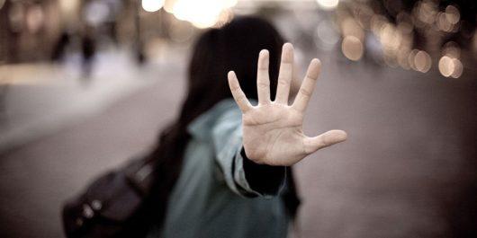 Annaba: 2 jeunes filles agressées et leurs sacs volés