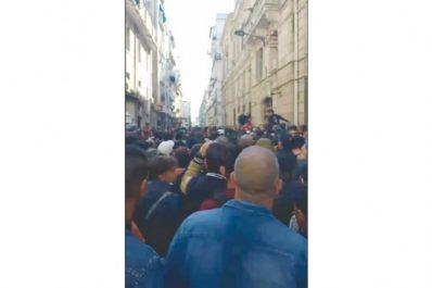 Des centaines de personnes ont battu le pavé hier: Annaba marche de nouveau contre le 5e mandat