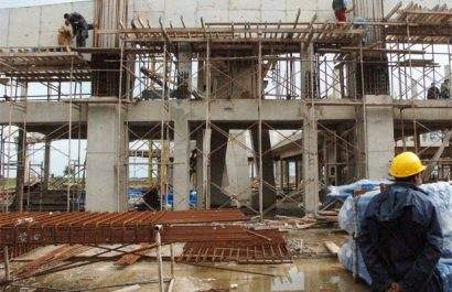 Des chantiers de logements à la traîne: Vers la résiliation des contrats des entrepreneurs défaillants