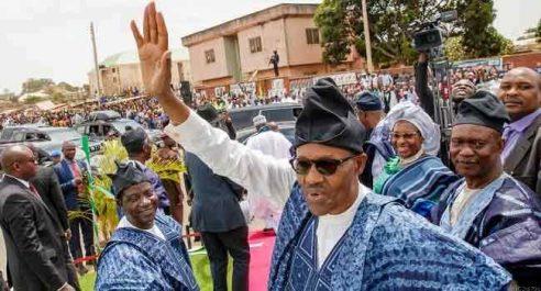 Présidentielle au Nigeria: Buhari appelle l'armée à être «sans pitié» envers les fraudeurs