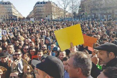 Douzième rassemblement d'Algériens à Paris pour un changement «pacifique» et «radical»