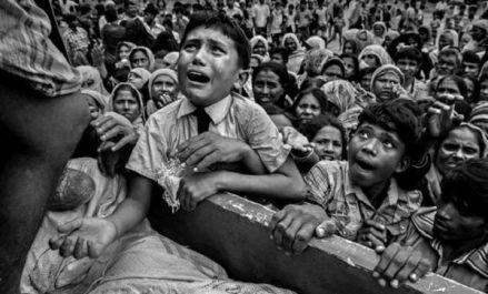 Oran : affluence sur l'exposition de photos de la presse mondiale de 2018