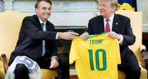 Diplomatie : Trump et Bolsonaro mettent en scène leur complicité