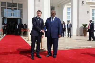 Algérie : Emmanuel Macron «salue» la décision d'Abdelaziz Bouteflika de ne pas se représenter
