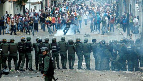 Le Venezuela en pleine panne d'électricité géante: Gouvernement et opposition dans la rue