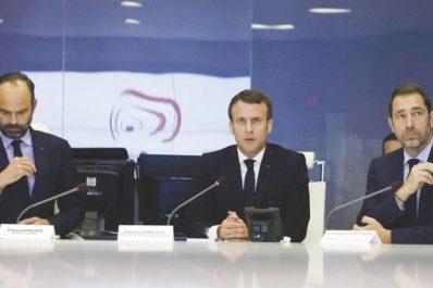 """Violences lors de l'acte 18 des """"gilets jaunes"""": Emmanuel Macron sous pression"""