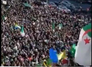 Vidéo : une foule nombreuse proteste à Paris contre le prolongement du 4e mandat de Bouteflika