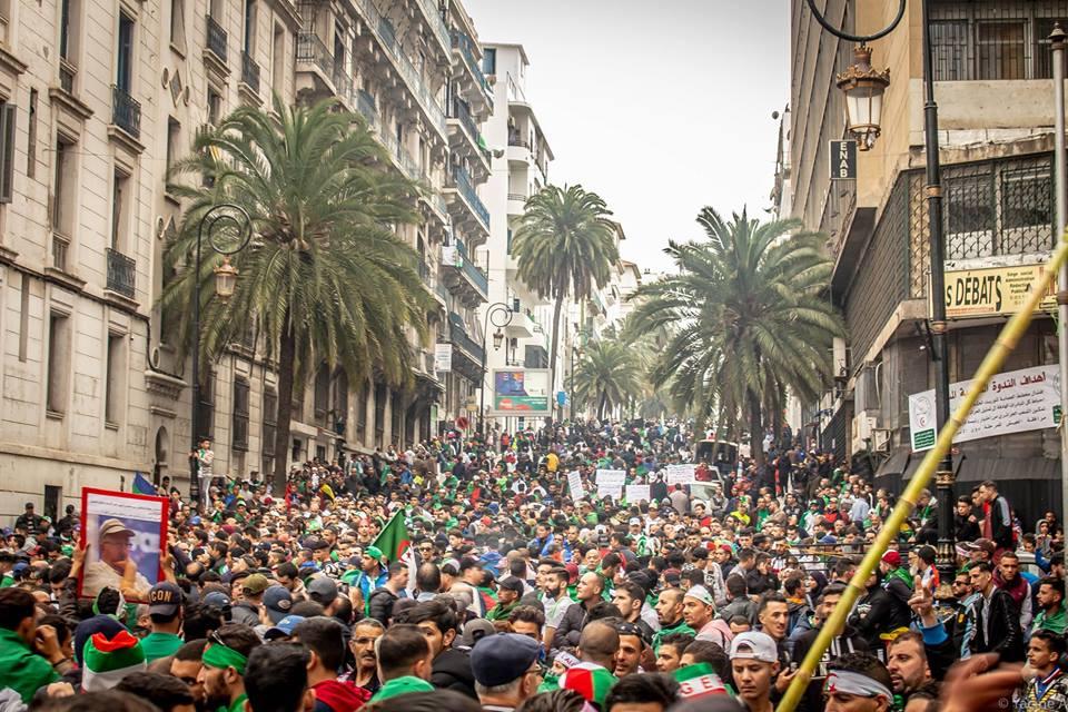 Contribution - Photos manifestation vendredi 19 avril 2019 par Yacine Aouli - Algérie360.com