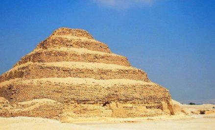 Egypte: découverte d'une tombe de la Ve dynastie à Saqqara