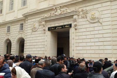 Tribunal de Sidi M'hamed, à Alger : Un rassemblement en prévision de l'arrivée d'Ouyahia