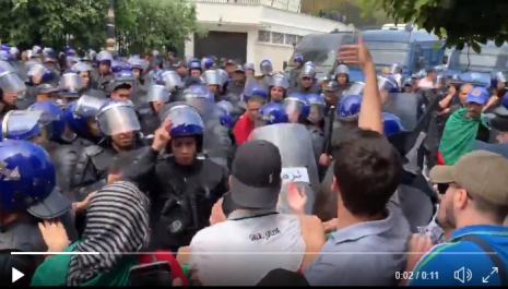 Vidéo/ 13e marche des étudiants : Un étudiant interpellé à Alger