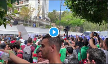 Vidéo/ 21 Mai : Tirs de gaz lacrymogène lors des manifestations des étudiants à Alger
