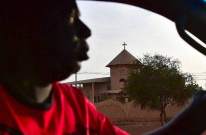 Burkina: six morts dans une attaque contre une église Catholique