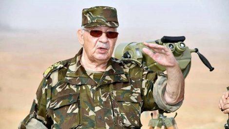 Gaïd Salah en visite de travail et d'inspection à la 3e Région militaire lundi