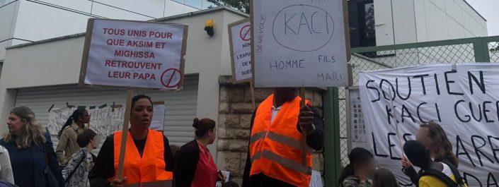 Paris: des parents d'élèves se mobilisent contre l'expulsion d'un Algérien