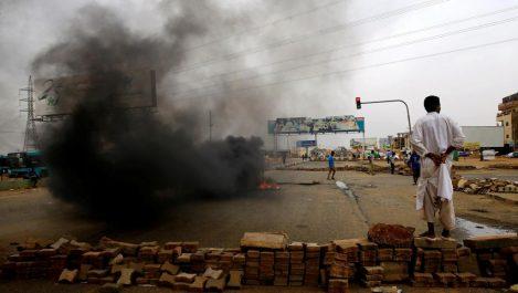 60 morts dans la dispersion du sit-in à Khartoum et réunion en urgence du Conseil de sécurité