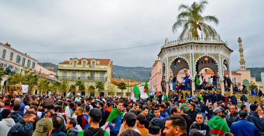 Chroniques blidéennes : Blida, place du 1er novembre: « des hommes et des lieux… »