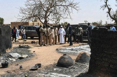 Mali: Massacre dans un village, 95 morts