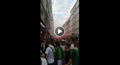 Les supporteurs algériens célèbrent la qualification de l'Algérie à Paris !