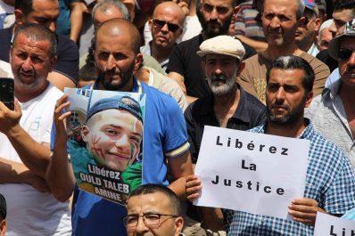 Rassemblement à Tizi Ouzou pour la libération des détenus d'opinion !