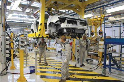Moins de 400 millions de dollars pour 20 chaînes d'assemblage : Le montage automobile au bord de l'asphyxie