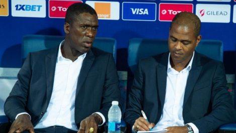 Cameroun  Seedorf et Kluivert limogés