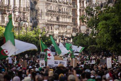 Plus belles photos du 27e vendredi à Alger par Yacine Aouli